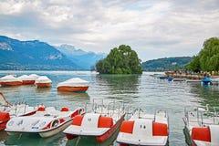 Vista panoramica del lago Annecy in Francia Fotografia Stock Libera da Diritti