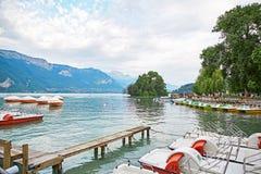 Vista panoramica del lago Annecy in Francia Immagine Stock Libera da Diritti