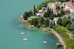 Vista panoramica del lago garda dalla cima della collina Fotografia Stock Libera da Diritti