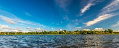 Vista panoramica del lago sanguinata Fotografie Stock
