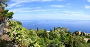 Vista panoramica del mar Mediterraneo Immagine Stock