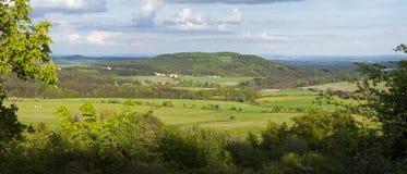 Vista panoramica del paesaggio del paese fotografie stock