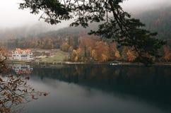 Vista panoramica del paesaggio idilliaco scenico di autunno in Baviera Fotografia Stock Libera da Diritti