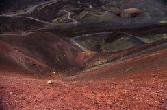 Vista panoramica del parco nazionale di Etna di paesaggio vulcanico con il cratere, Catania, Sicilia Fotografia Stock Libera da Diritti