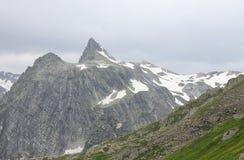 Vista panoramica del picco di montagne Fotografia Stock Libera da Diritti