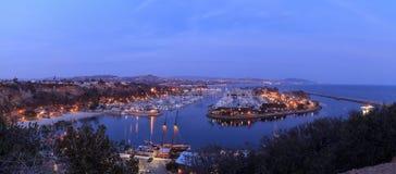 Vista panoramica del porto di Dana Point al tramonto immagine stock