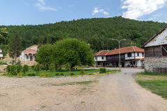 Vista panoramica del presupposto medievale del monastero di Sukovo di vergine Maria Fotografia Stock