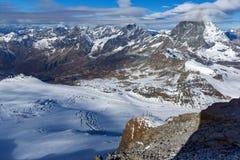 Vista panoramica del supporto il Cervino coperta di nuvole, alpi, Svizzera Fotografie Stock Libere da Diritti