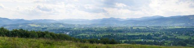 Vista panoramica del villaggio alpino Fotografia Stock Libera da Diritti