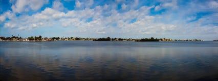 Vista panoramica dell'acqua Fotografie Stock Libere da Diritti