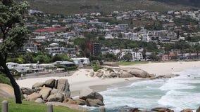 Vista panoramica dell'angolo alto di Cape Town e le montagne che la circondano archivi video