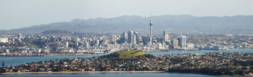 Vista panoramica dell'orizzonte della città di Auckland Immagine Stock