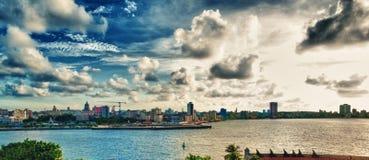 Vista panoramica dell'orizzonte della città di Avana al tramonto Immagine Stock Libera da Diritti