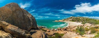 Vista panoramica della baia a ferro di cavallo a Bowen - spiaggia iconica, Q del nord immagine stock libera da diritti