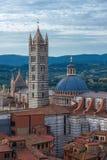 Vista panoramica della città della terra di Siena, Italia Fotografia Stock