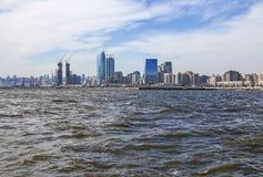 Vista panoramica della città di Bacu dalla baia del mare Repubblica di Azerbaijan fotografia stock