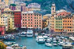 Vista panoramica della città di Camogli, Italia Fotografie Stock