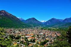 Vista panoramica della città di Domodossola, Italia fotografia stock