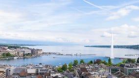 Vista panoramica della città di Ginevra, di Leman Lake e dell'acqua archivi video