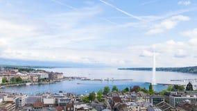 Vista panoramica della città di Ginevra, di Leman Lake e dell'acqua video d archivio