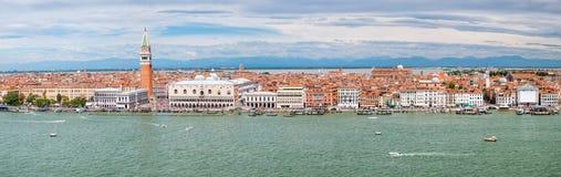 Vista panoramica della città di Venezia compreso St Mark & x27; quadrato di s e Grand Canal Immagine Stock