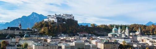 Vista panoramica della città storica di Salisburgo Immagini Stock Libere da Diritti
