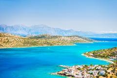 Vista panoramica della costa di mare con acqua del turchese immagine stock