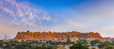 Vista panoramica della fortificazione all'alba, Ragiastan, India di Jaisalmer fotografia stock