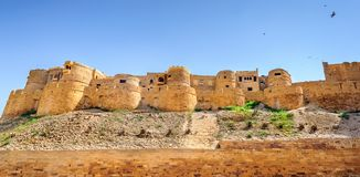 Vista panoramica della fortificazione dorata di Jaisalmer, Ragiastan India immagine stock