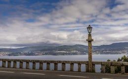 Vista panoramica della linea costiera a Sanxenxo Galizia Spagna Fotografia Stock