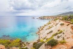 Vista panoramica della linea costiera scenica dell'isola di Ibiza immagine stock