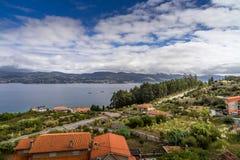 Vista panoramica della linea costiera a Vigo, Galizia Spagna Fotografia Stock Libera da Diritti