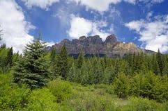 Vista panoramica della montagna del castello Fotografie Stock Libere da Diritti