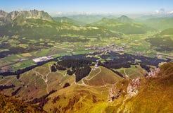 Vista panoramica della sommità dal picco di Kitzbuhel, Tirolo, Austria Fotografia Stock