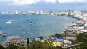 Vista panoramica della spiaggia della città di Pattaya e del golfo del Siam in Tailandia La Tailandia, Pattaya, Asia stock footage