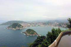 Vista panoramica della spiaggia del Concha della La in San Sebastian, Paese Basco immagine stock libera da diritti
