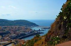 Vista panoramica della spiaggia e del mare di cristallo della Sardegna Fotografie Stock Libere da Diritti
