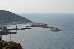 Vista panoramica della spiaggia e del mare di cristallo della Sardegna Fotografie Stock
