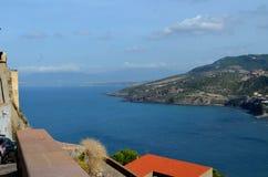 Vista panoramica della spiaggia e del mare di cristallo della Sardegna Fotografia Stock Libera da Diritti