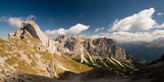 Vista panoramica delle alpi della dolomia. Immagini Stock