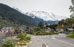 Vista panoramica delle alpi e di San-Gervais-les-Bains francesi Fotografia Stock Libera da Diritti