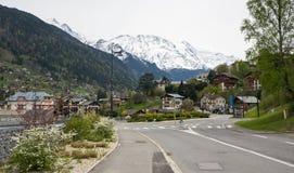 Vista panoramica delle alpi e di San-Gervais-les-Bains francesi Fotografie Stock Libere da Diritti