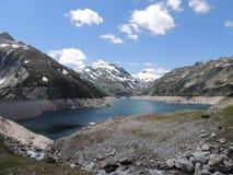 Vista panoramica delle alpi innevate Immagini Stock
