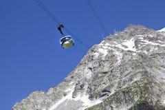 Vista panoramica delle alpi occidentali Paesaggio italiano di estate di Mont Blanc del lato Mont Blanc è il più alto picco delle  Fotografia Stock