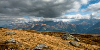 Vista panoramica delle alpi svizzere Immagine Stock