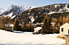 Vista panoramica delle alpi svizzere nell'inverno Fotografia Stock Libera da Diritti