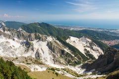Vista panoramica delle cave di marmo di Carrara in Toscana, Italia Fotografia Stock