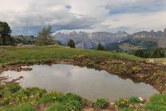 Vista panoramica delle dolomia dal passaggio di Sella Fotografia Stock Libera da Diritti