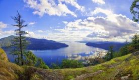 Vista panoramica delle isole della baia e del golfo dell'acero nell'isola di Vancouver, Canada immagine stock libera da diritti