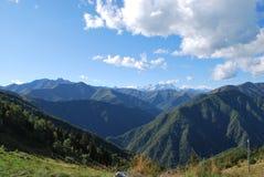 Vista panoramica delle montagne Immagine Stock